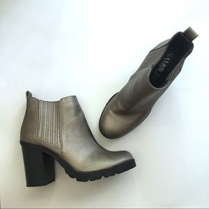 Sam & Libby Chunk Heel Metallic Booties Sz 6